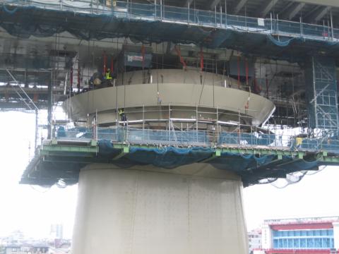 葛飾ハープ橋親塔耐震補強工事